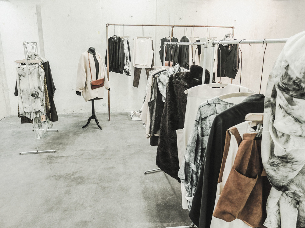 BERENIK-AW14-OUTLET-BOUTIQUE-03.jpg