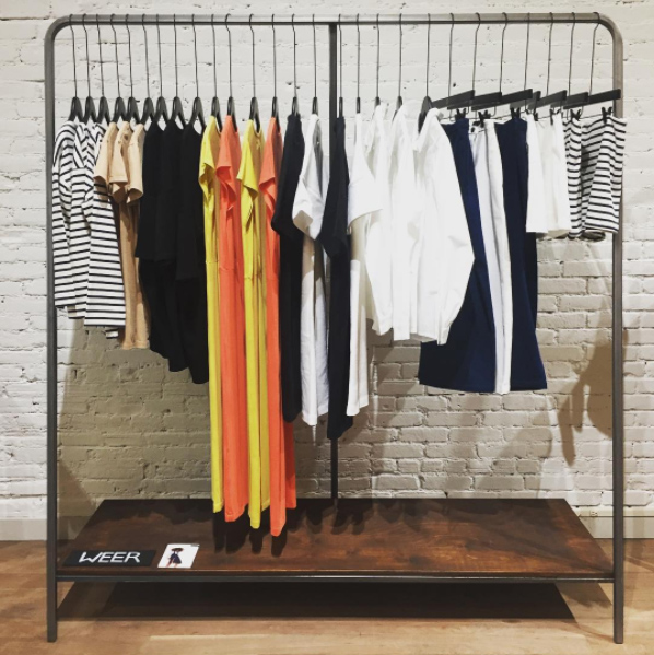 RACK with 1 or 2 boards GROUNDFLOOR CLOTHES ACCESSORIES SHOES OBJECTS LENGHT 1.7M 2500 usd / month