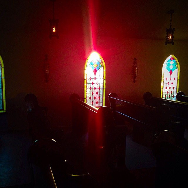 Sunset is my favorite time of day...The sun glimmers through our jewel toned stained glass windows is so beautiful #aisle #bride #bridal #beautiful #chapel #church #cavecreek #cavecreekchapel #decor #desertview #desertwedding #engagement #ido #photoshoot #photoscout #quaint #renewvows #stunning #stainedglass #sunset #glimmer #jewel #vows #wedding #whitechapel #weddingvenue #oldtowncavecreek