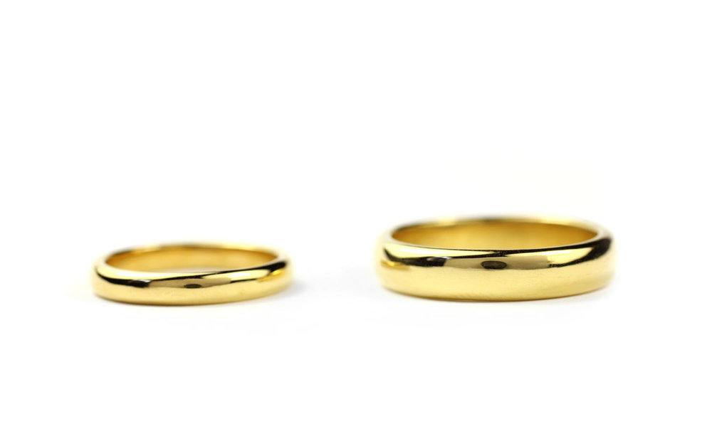 18 Kt Gold Bands
