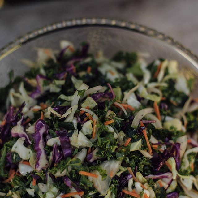 Our Kale Slaw is the perfect crunchy, acidic bite to balance out the tender richness of our BBQ brisket or ribs. We work with local farms like @pauls_produce and @oakhillfarmofsonoma to use the freshest, most flavorful vegetables that are in peak of season. . . . #qcraftbbq #kaleslaw #kale #organic #biodynamic #localfarms #knowyourfarmer #sonoma #marin #napa #winecountrywedding #sonomawedding #sonomacatering #catering #bbqcatering #sustainable #local #paulsproduce #oakhillfarm