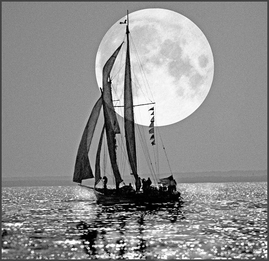 Boat & Moon