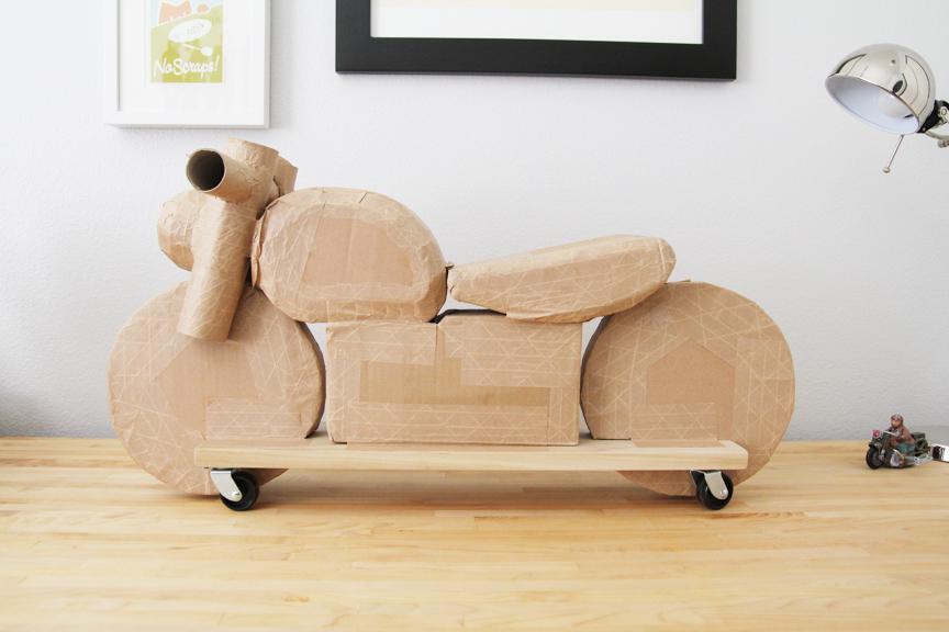 cardboard_motorcycle_01.jpg