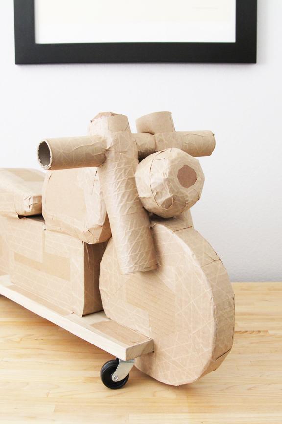 cardboard_motorcycle_02.jpg