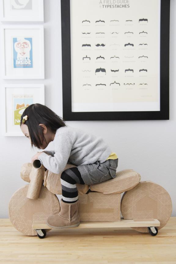 cardboard_motorcycle_04.jpg