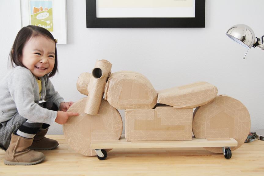 cardboard_motorcycle_06.jpg
