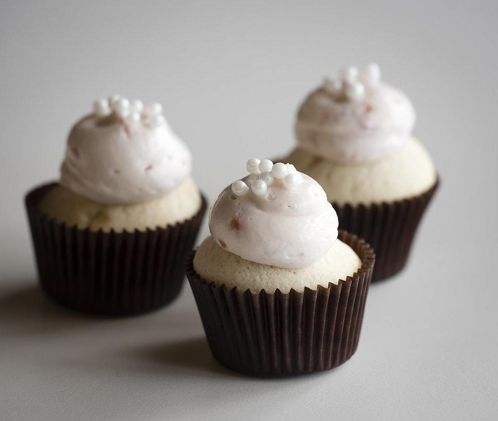 cupcakes mini champaign raspberries