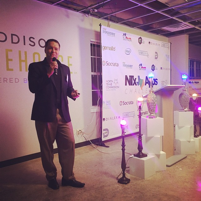 Ken Lowe from #Gemalto presenting on the future of the #ConnectedCity at #NTxApps Awards Night! #dfw #IoT #m2m