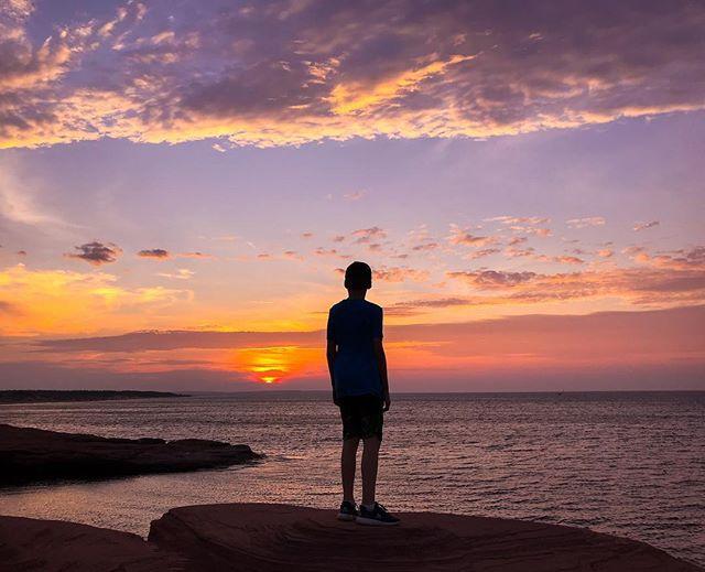 PEI sunsets @tourismpei #sunsets #pei #cavendishbeach #explorecanada #sharecangeo #silhouettes #canada #iphone7plus #iphoneographers