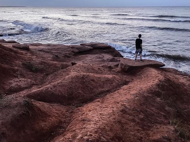 Seek to find the ocean and that's where life is simple ;) #eastcoast #pei #cavendish #waves #explore #explorecanada #canada #seekthesimplicity #rocks #tourcanada #imagesofcanada #instagram #instagood #share #sharecangeo #earth #earthpix #discoverearth #iphone7plus #apple #iphonography