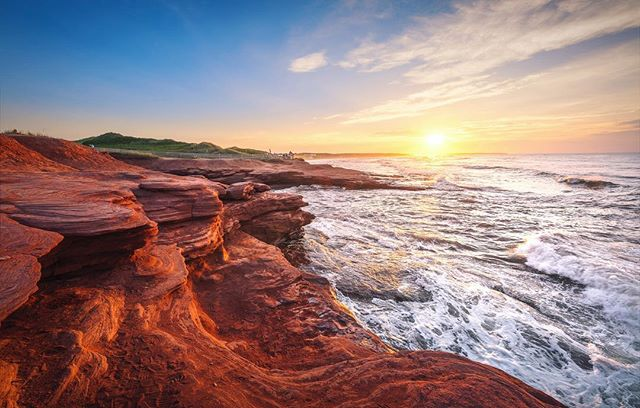 Sunsets in Prince Edward Island 👌 #pei #nikon #sigma #cavendish #parkscanada #nationalpark #explore #explorecanada #sunsets #eastcoast #beach #waves #redrocks #cliffs #discoverearth #earthfocus #princeedwardisland #sigmacanada #nikoncanada #sigma14mm #canada #share #shareyourweather #sharecangeo #cangeotravel #cangeo #natgeotravel
