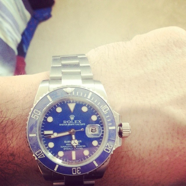 There was a time when I used to think the big face #watches were the most expensive, or the best.  But sometimes, its not the flashiest or the biggest that does it.  I think the #rolex is a nice look today. #watches #watch #timepiece #submariner