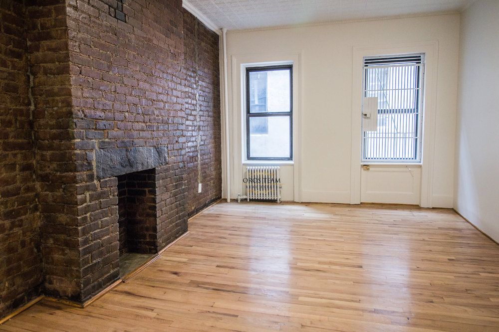 283 Bleecker Street #3A - Brand New Renovated Studio in West Village!The unit is full of charm and modern finishes. Enjoy the expose brick wall with decorative fire place, brand new renovated kitchen with dishwasher and new bathroom. Located in a walk up building, pets ok.Rent: $2,275 /monthTerms: 12 - 12 MonthsAvailable: Immediately