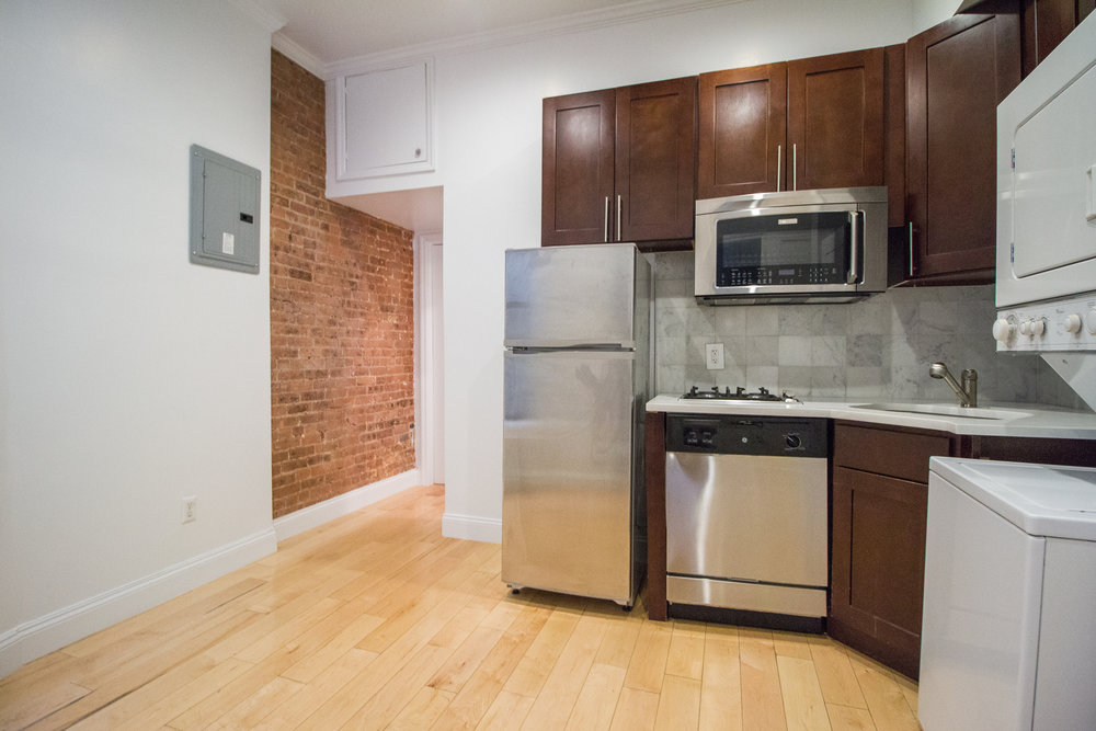 533 E 3 Street #1RW - Renovated Two Bedroom in East Village! Welcome to gorgeous renovated true two bedroom unit with private outdoor space! Enjoy open style kitchen with dishwasher and washer & dryer! Located on a tree line street of East Village! Close to public transportation, cafes and shopping! Rent: $2,895 /monthTerms: 12 - 12 MonthsAvailable: Immediate