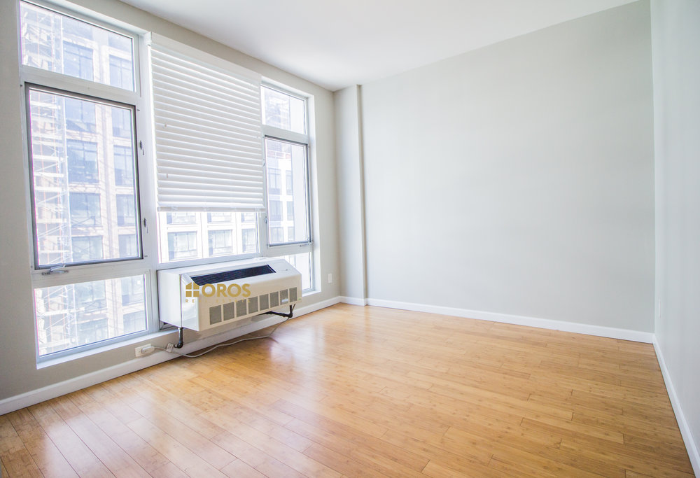 499 Vanderbilt Avenue #5A - Renovated One bedroom with private balcony in Clinton Hill!Enjoy in unit washer and dryer, top of a line renovations, private balcony, spacious living room with open kitchen (+dishwasher) and bedroom with great closet space!Rent: $2,600 /monthTerms: 12 - 12 MonthsAvailable: Immediate