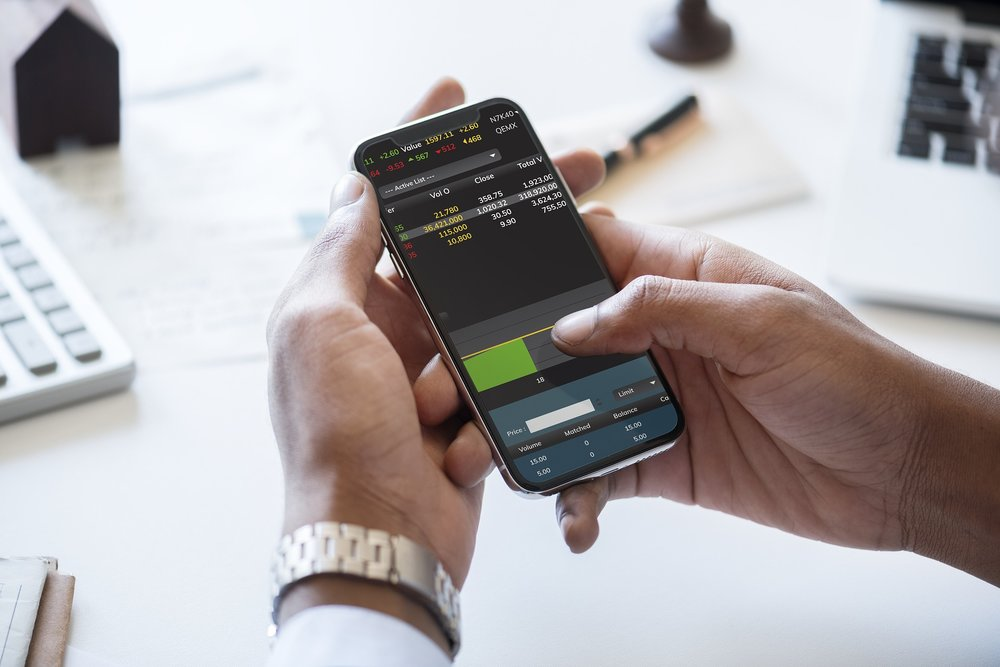 List of the best free apps that are useful for investors and traders.