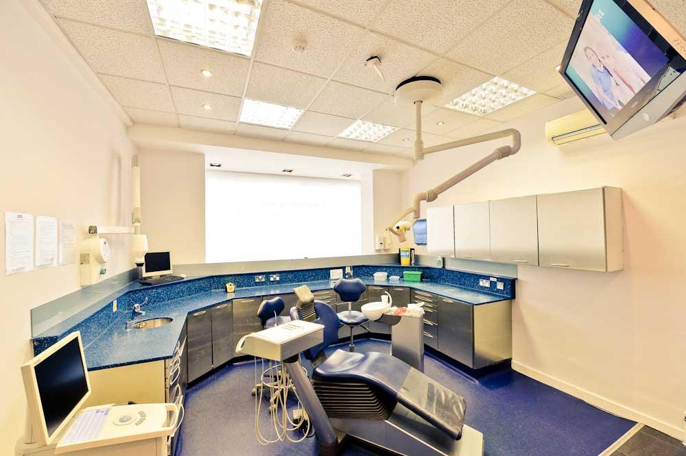 manchester-dentist-1.jpg