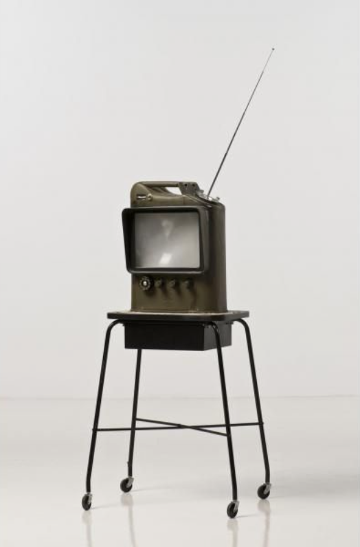 dward Kienholz, The Jerry Can, 1979, 117 x 45 x 28 cm, blandteknik