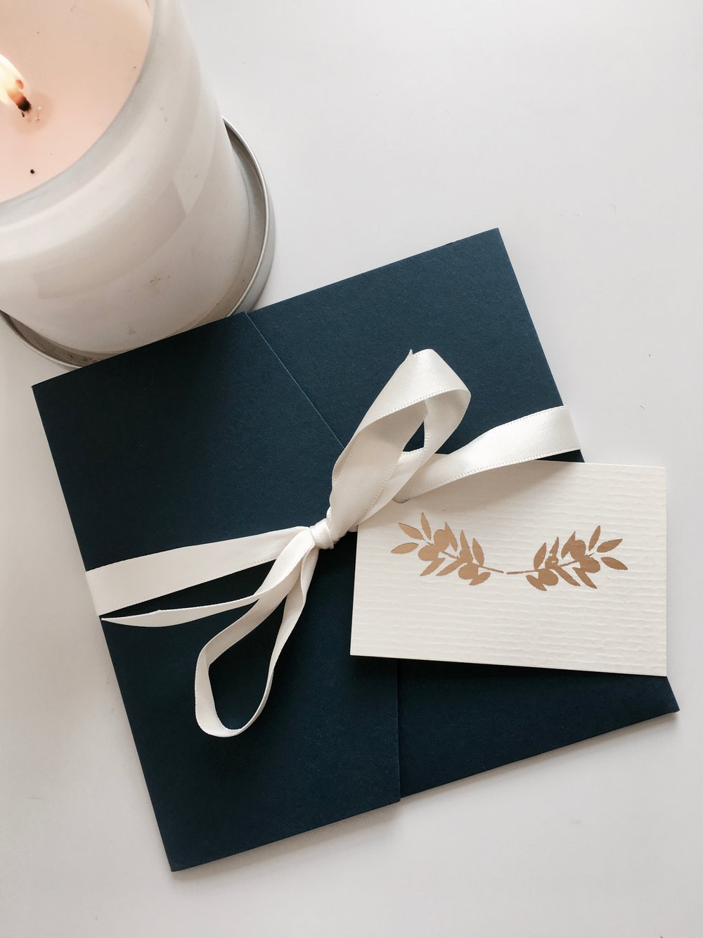 Ribbon & Tag Detailing -