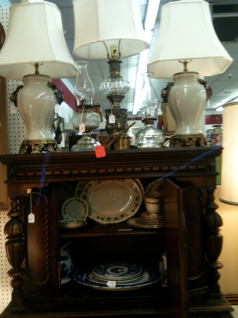 Vintage Interiors/Three Divas Closet