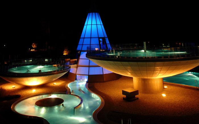 Aqua-Dome-Night.jpg