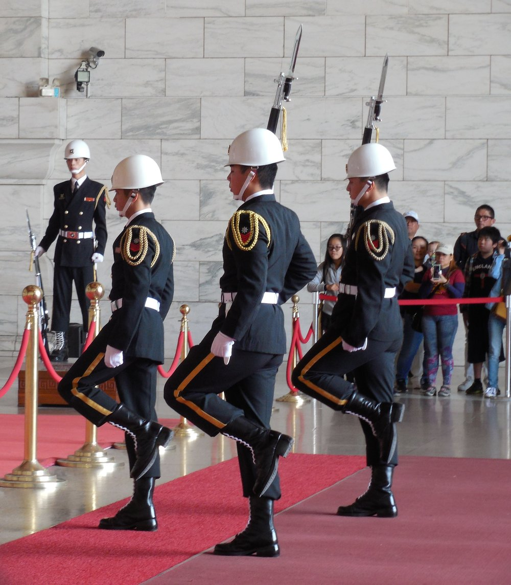 Chiang Kai-shek Memorial Changing of the Guard © Flyga Twiga LLC