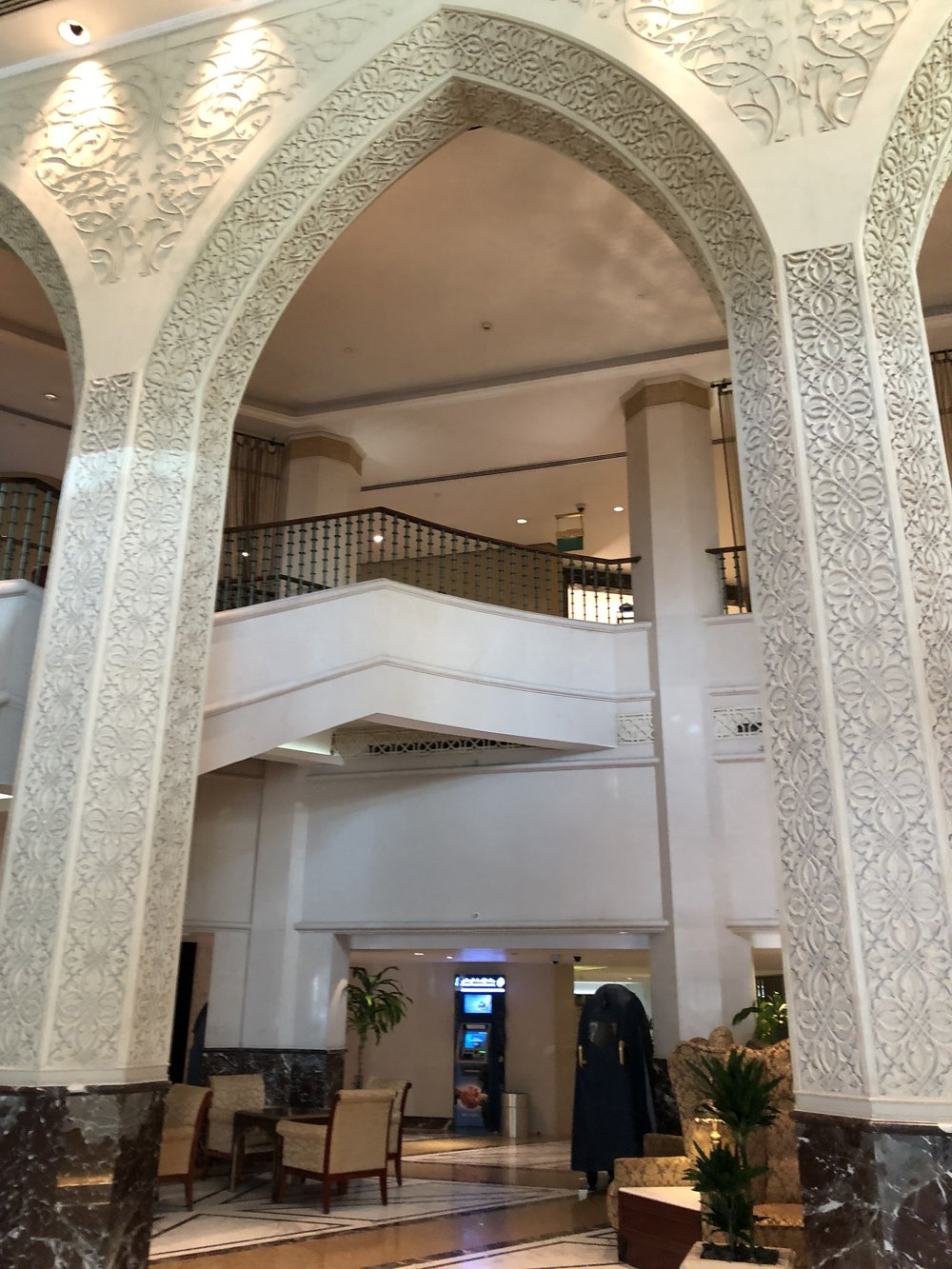 Lobby Abu Dhabi Sheraton © Flyga Twiga LLC