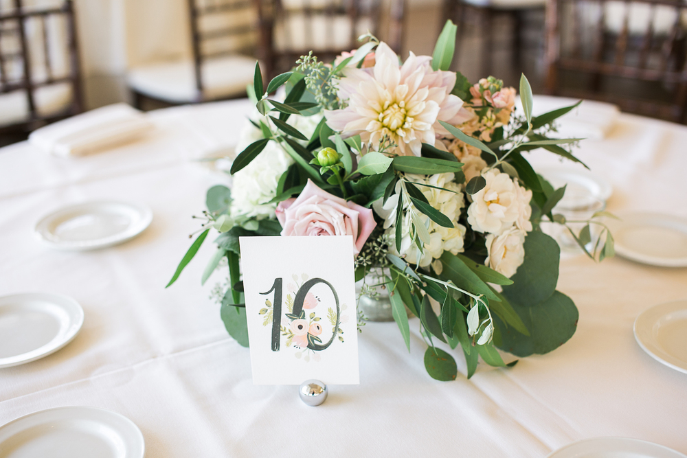 Carmel Mountain Ranch Country Club. Cafe au lait dahlia centerpiece. Blush & ivory, garden romantic wedding by San Diego wedding florist, Compass Floral.   Brandi Welles Photography.