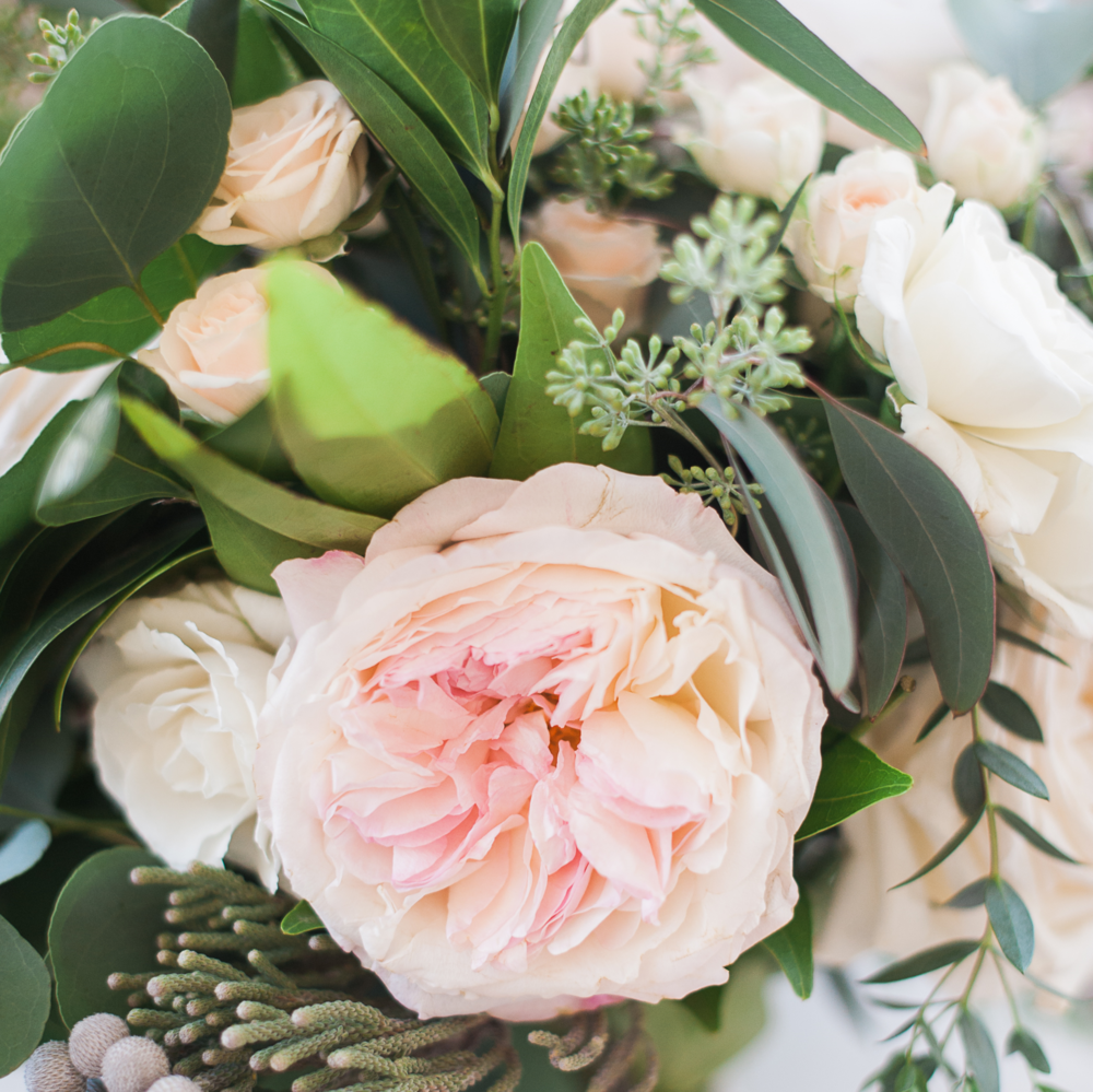 Carmel Mountain Ranch Country Club Blush & ivory, garden romantic bridal bouquet by San Diego wedding florist, Compass Floral.   Brandi Welles Photography.