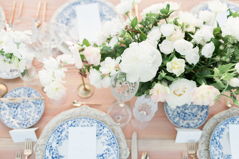 White peony & garden rose centerpiece| Rancho Valencia Weddings | Rancho Santa Fe | Compass Floral | Wedding Florist in San Diego and Southern California | Cavin Elizabeth Photography