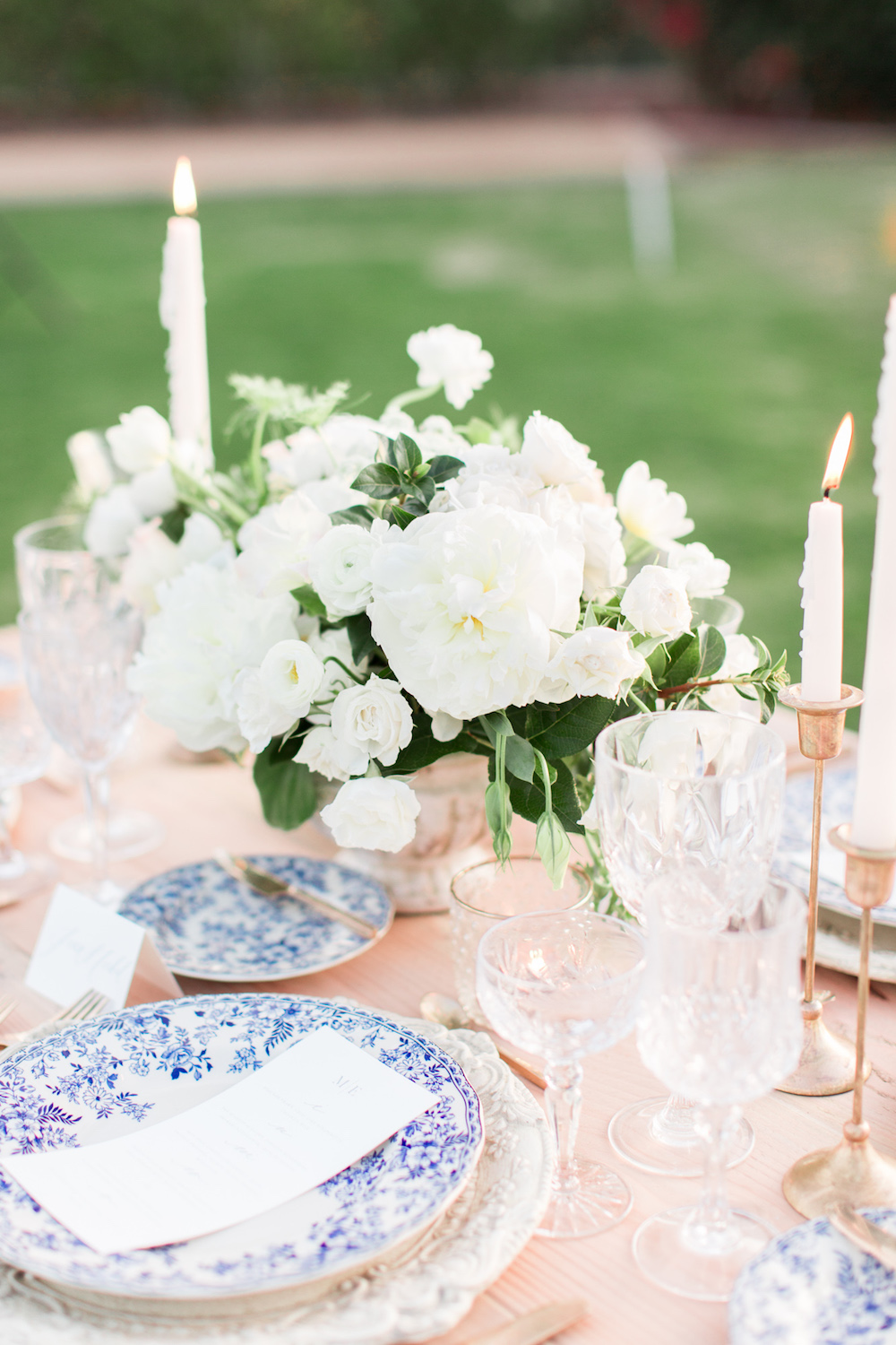 Blue chinoiserie wedding place setting | Rancho Valencia Weddings | Rancho Santa Fe | Compass Floral | Wedding Florist in San Diego and Southern California | Cavin Elizabeth Photography