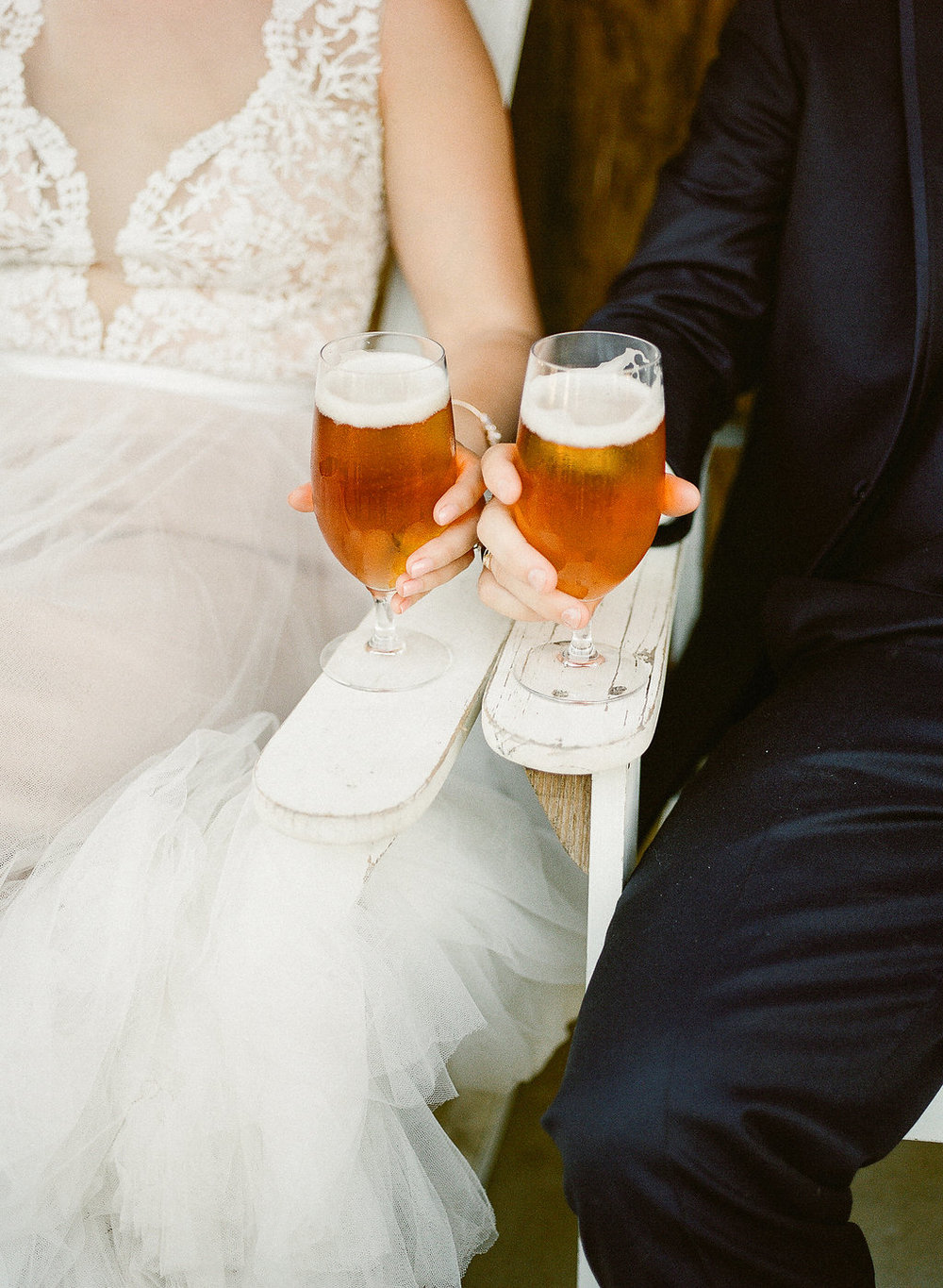 Beer wedding signature drink | Fallbrook Treehouse | Compass Floral | Wedding Florist in San Diego and Southern California | Allie Lindsey Photography