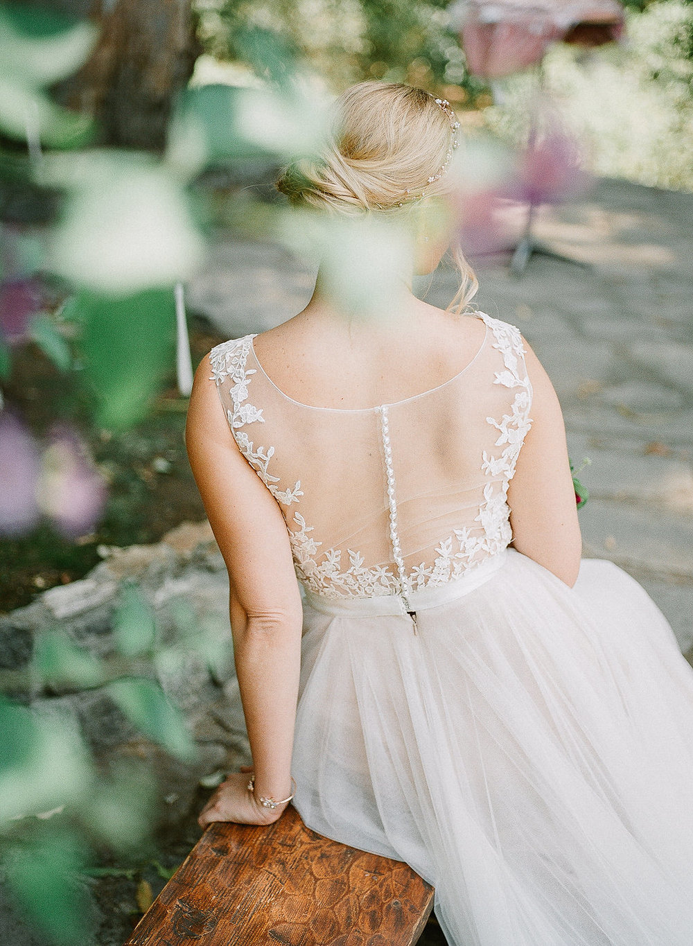 Wedding dress back detail | Fallbrook Treehouse | Compass Floral | Wedding Florist in San Diego and Southern California | Allie Lindsey Photography