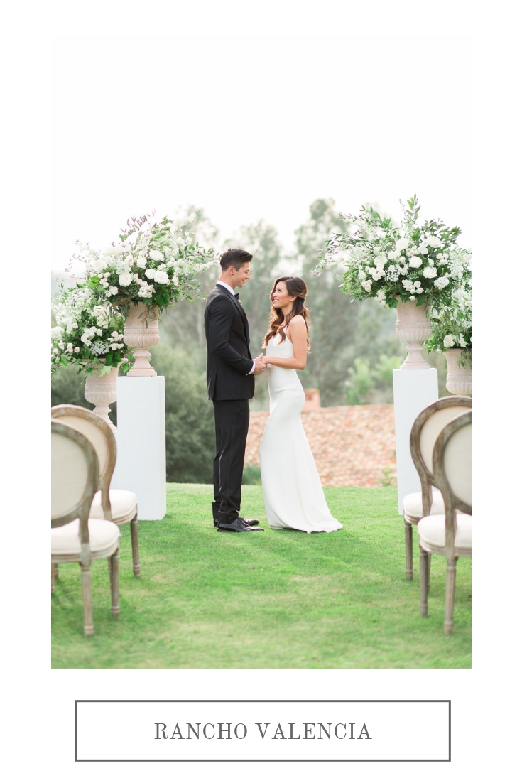 Blue and white Chinoiserie inspired elegant outdoor wedding | Rancho Valencia | Compass Floral | Wedding Florist in San Diego and Southern California | Cavin Elizabeth Photography