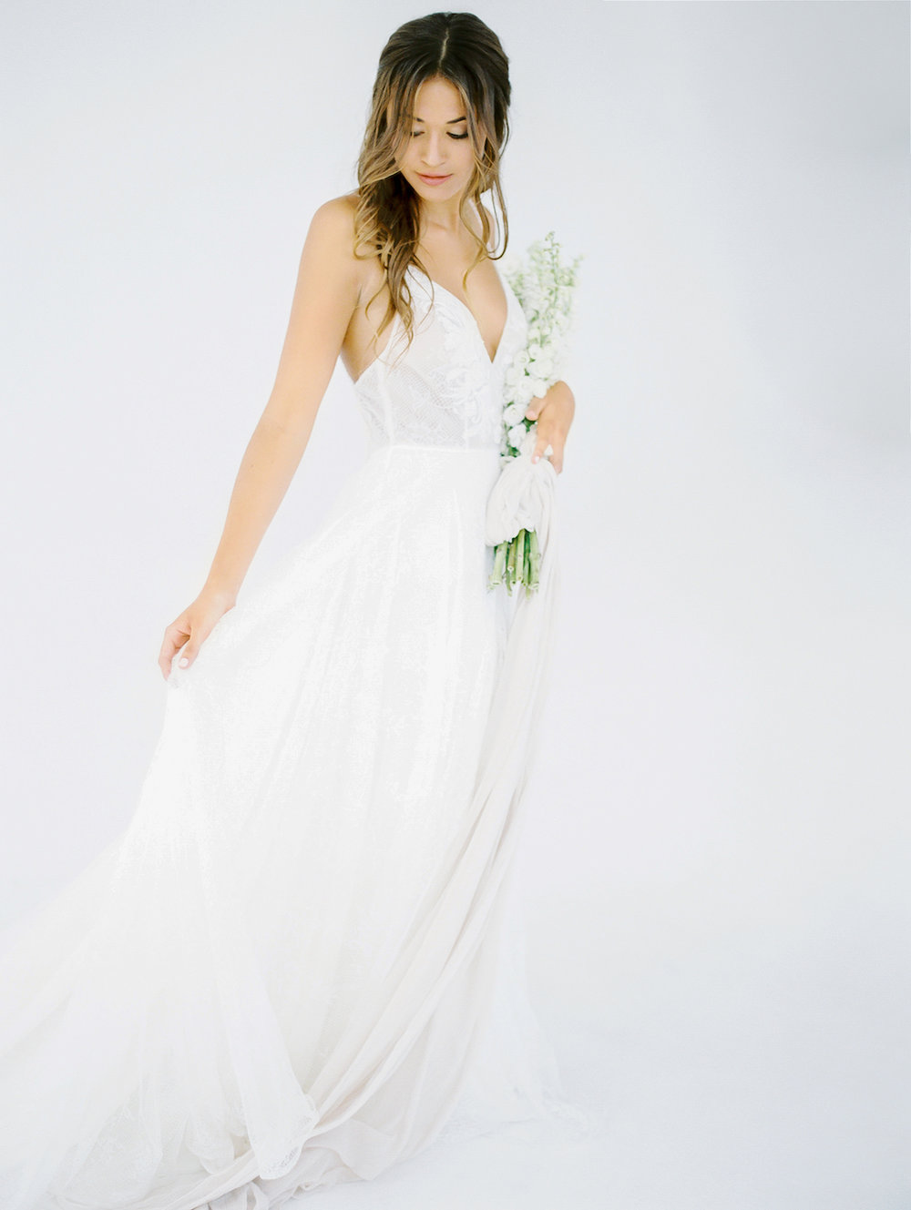 Natural, loose bridal hair | Studio 710 | Compass Floral | Wedding Florist in San Diego and Southern California | Dear Lovers Photography