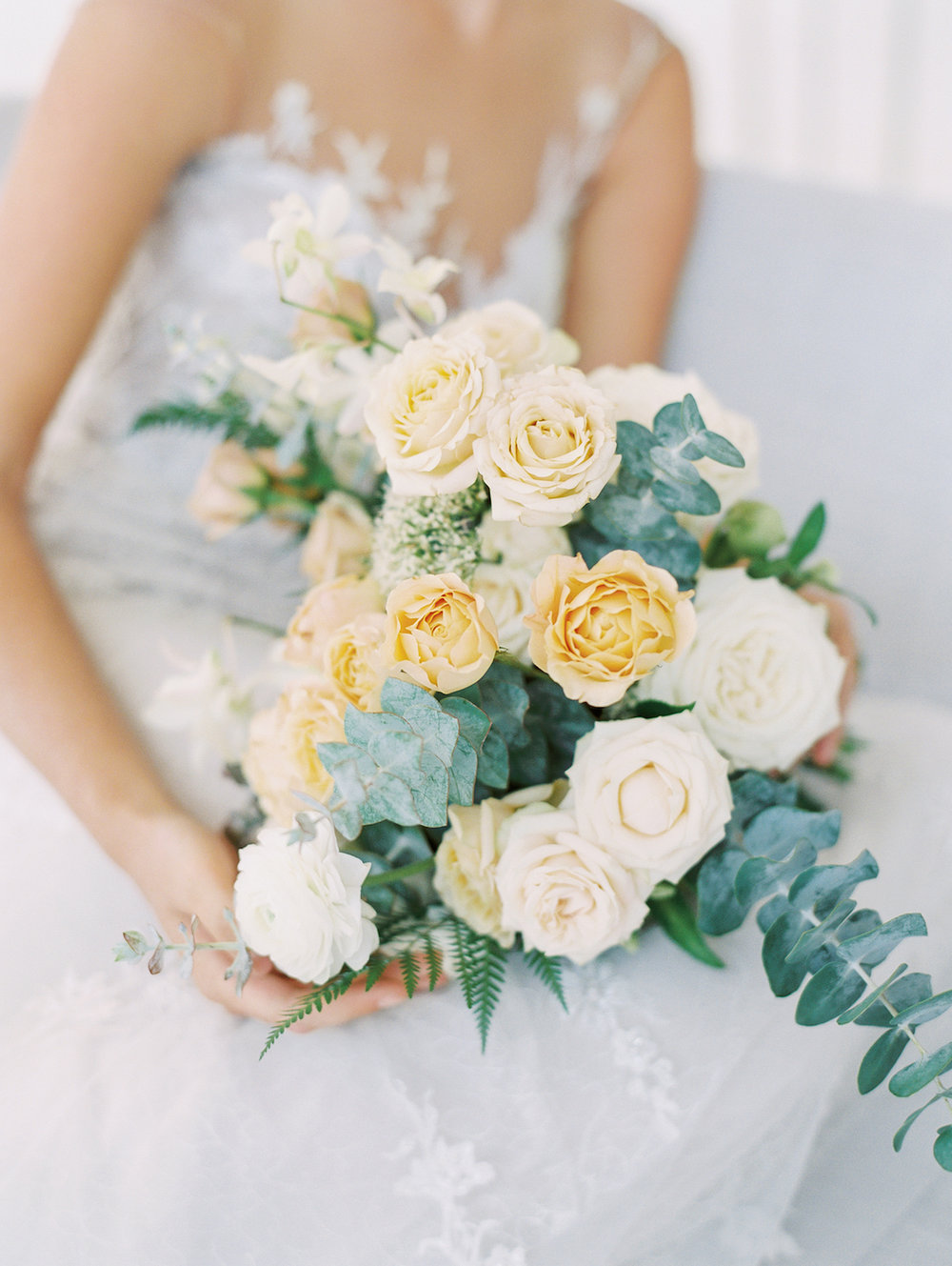 Neutral wedding flowers | Studio 710 | Compass Floral | Wedding Florist in San Diego and Southern California | Dear Lovers Photography