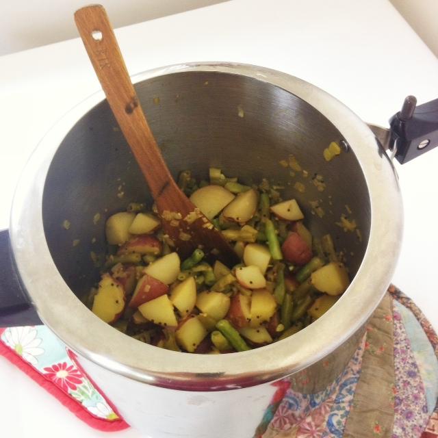 Indian style green beans and potatoes sara bir indian style green beans and potatoes forumfinder Choice Image