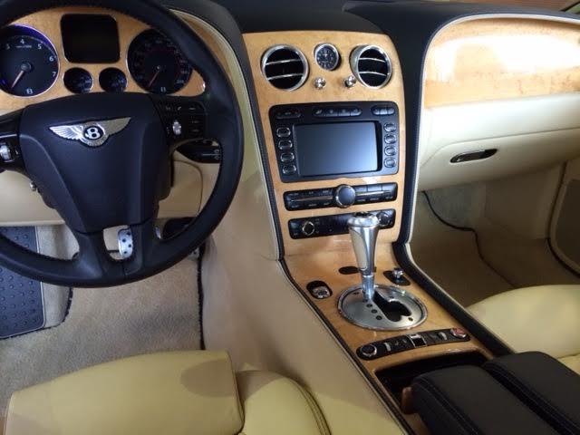 clean Bentley Continental GTC 2011_9.jpg