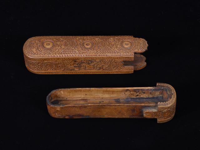Pen case Iran, 19th century CE (13th century AH) Wood Birmingham Museums Trust (1962S01667.00124) ©Birmingham Museums Trust