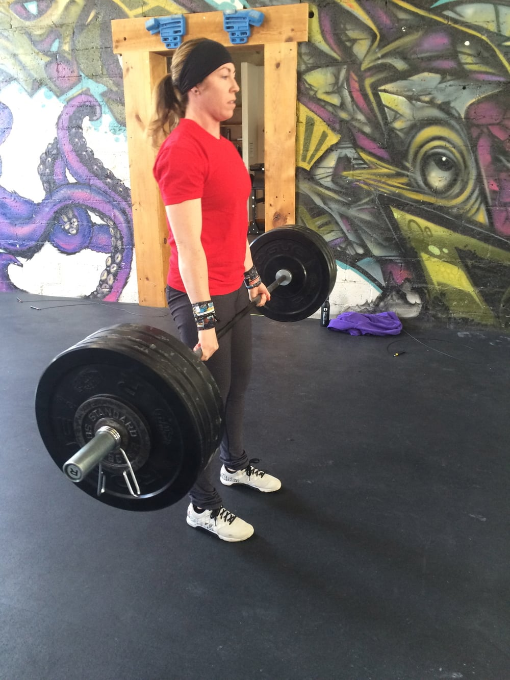 Karen moving some serious weight for her deadlifts last week.