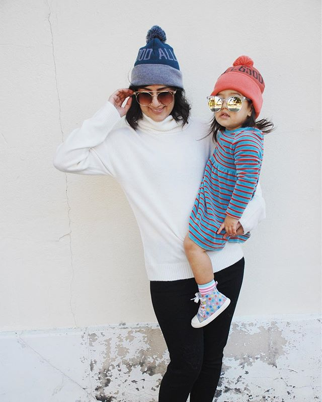 Brrrrr!!!! This weather calls for Pom Pom beanies and turtlenecks! We got you covered 😘😘😘