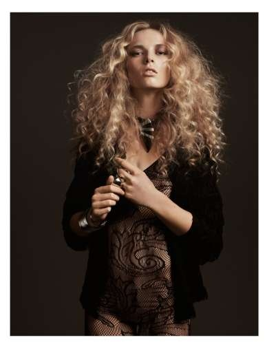 d00457dfac00176b7bc93a65fb7591b3--curly-blonde-editorial-curly-hair.jpg