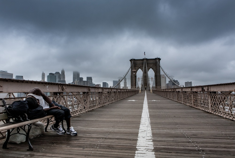 HOMELESS MAN, BROOKLYN BRIDGE, NEW YORK, 2008