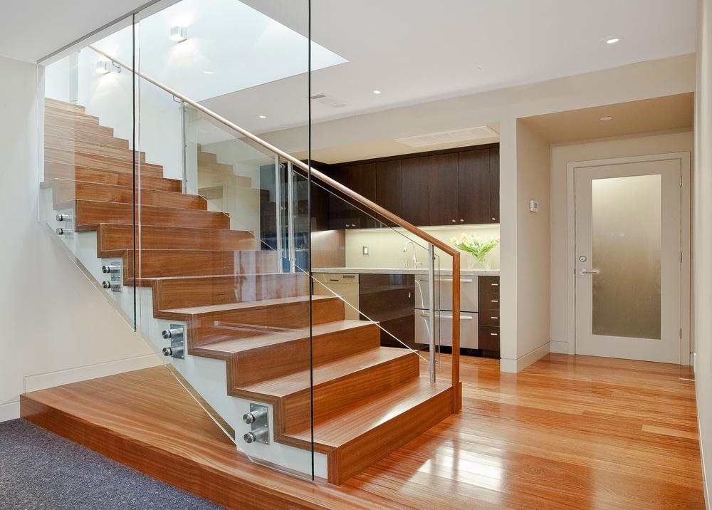 12 LaPrenda Stair Bsmt.jpg