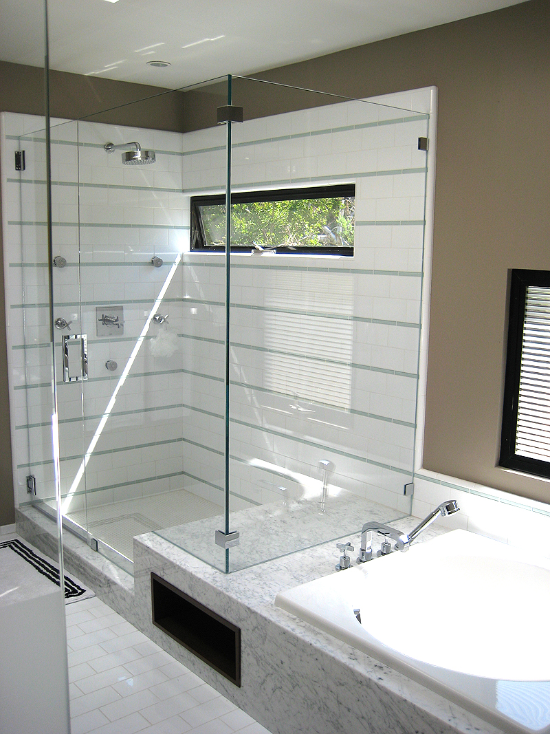 10A 315 MBR Shower.jpg