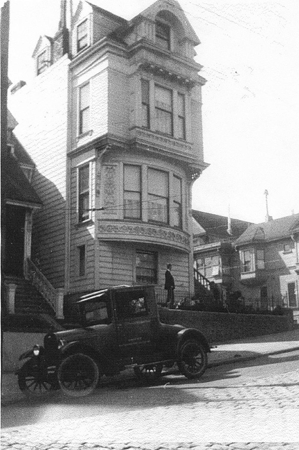 1 - 2127 Broderick 1925.jpg