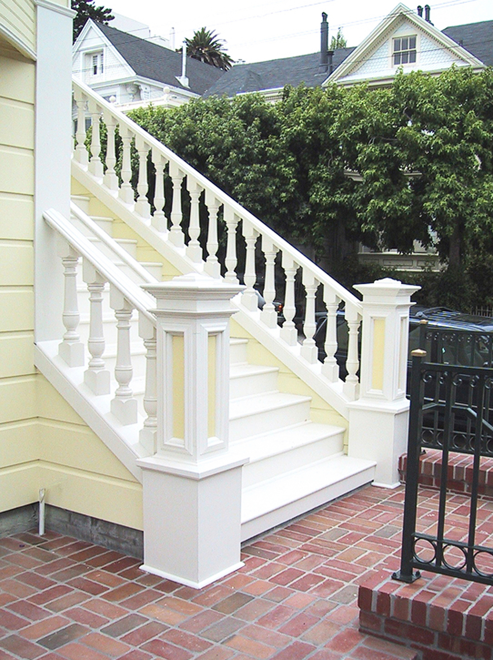 3 - 2127 New Front Stair.jpg