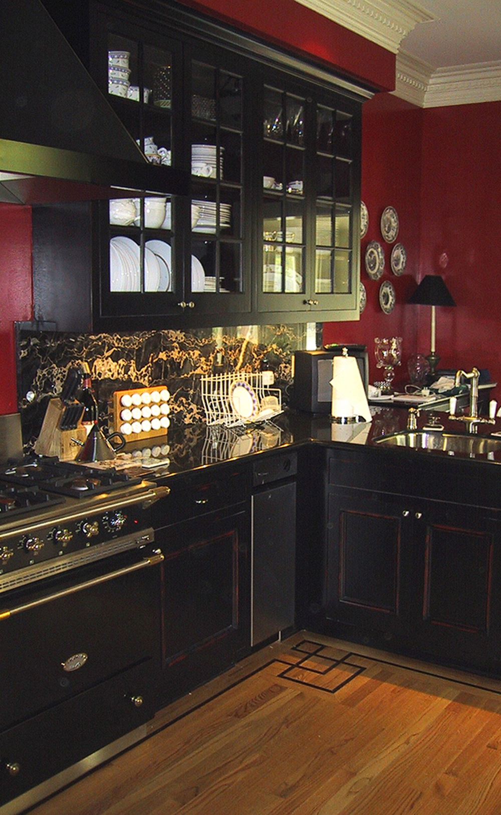 4 - 2127 Kitchen.jpg