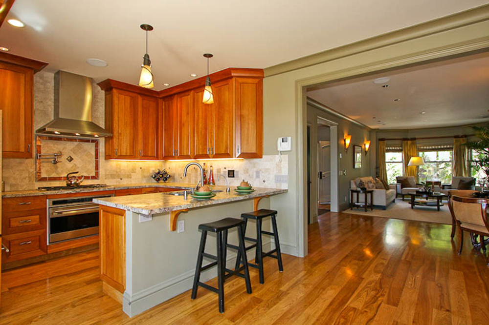 5-3715 22nd Kitchen.jpg