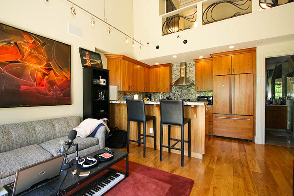 12-3715 22nd Apartment.jpg